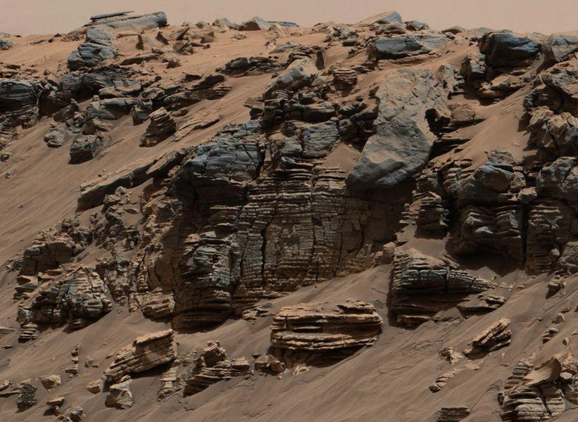 Sediment layers photographed by Curiosity.