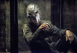 The-Flash-Season-2-Mysterious-Prisoner