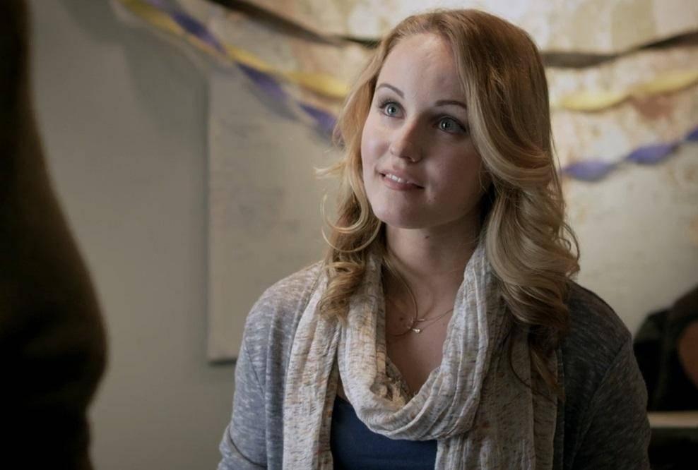 Sara Fletcher as Sophia - Minutes To Midnight Movie Review