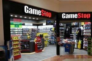 GameStop To Begin Selling Comic Books